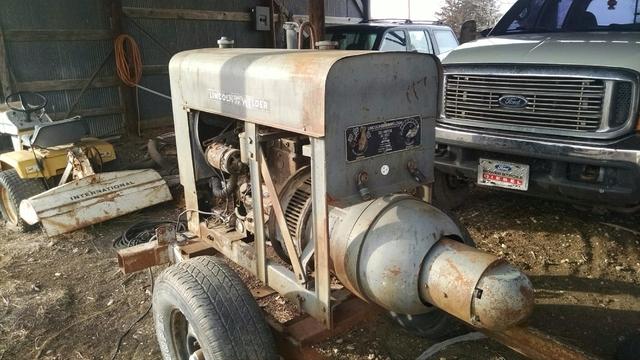 SOLD - 1950 Lincoln sa200 Shorthood dc 200 amp welder