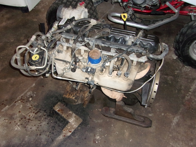 4.0 engine out of 97 Jeep Cherokee on jeep cherokee engine crankshaft, acura tsx engine wiring harness, mazda 626 engine wiring harness, jeep cherokee headlight wiring harness, jeep cherokee 4.0 engine diagram, jeep cherokee door wiring harness, 1996 jeep cherokee wiring harness, 2001 jeep cherokee wiring harness, dodge magnum engine wiring harness, jeep cherokee engine seals, jeep cherokee trailer wiring harness, chrysler engine wiring harness, jeep to chevy wiring harness, jeep cherokee engine lights, jeep cherokee sport wiring diagram, jeep xj wiring harness, suzuki samurai engine wiring harness, nissan rogue engine wiring harness, ford f250 engine wiring harness, bmw 318i engine wiring harness,