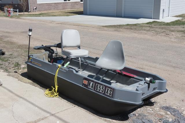 SOLD - SOLD SOLD Sun Dolphin Sportsman 2 Man Bass Boat