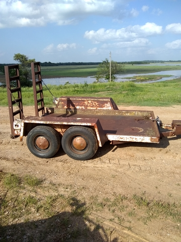 SKID STEER TRAILER (low too the ground