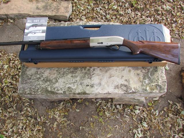 Beretta AL391 URIKA 2 Ultra Light Shotgun