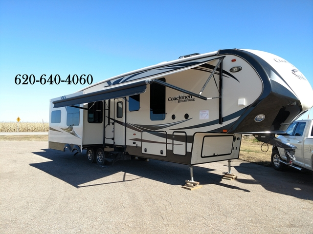 2015 Coachmen Brookstone Camper With Washer Dryer