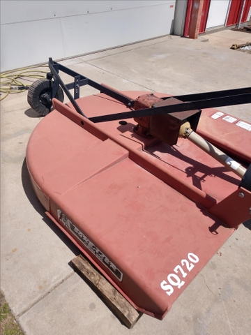 SOLD - 2001 bush hog squealer 6ft shredder
