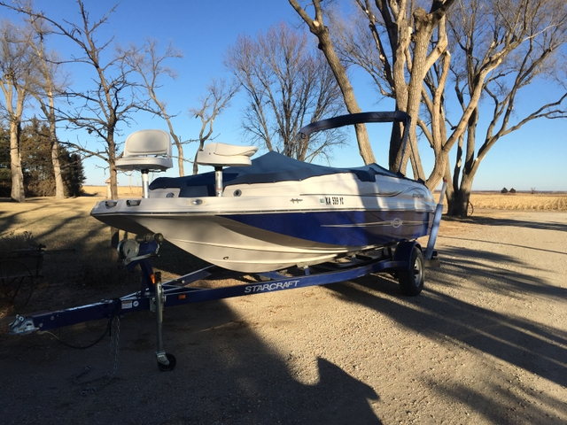 2010 Starcraft Limited 2000 Deckboat
