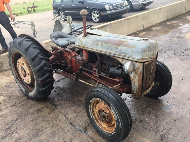 9n Ford Tractor >> Sold 9n Ford Tractor