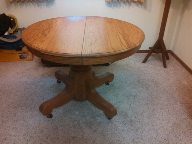 antique oak pedestal round dining table with 2 leaves nex tech classifieds. Black Bedroom Furniture Sets. Home Design Ideas