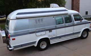 1990 Dodge Ram Xplorer CamperVan