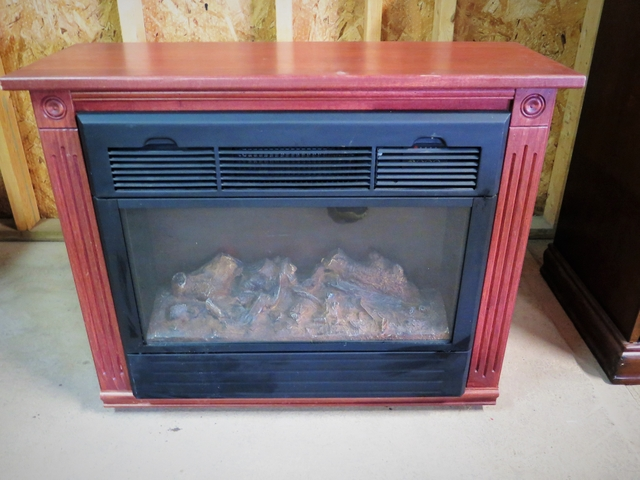 Admirable Heat Surge Amish Electric Fireplace With Remote Has Wheels Interior Design Ideas Inesswwsoteloinfo