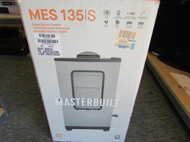 Masterbuilt Mes 135S Digital Electric Smoker