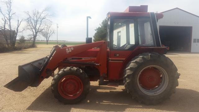 1984 584 International Loader Tractor W Cab