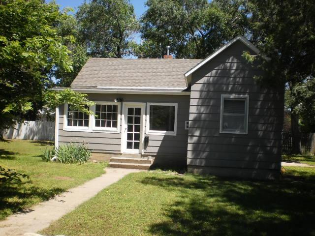 Small Cute 2 Bedroom House Pet Friendly