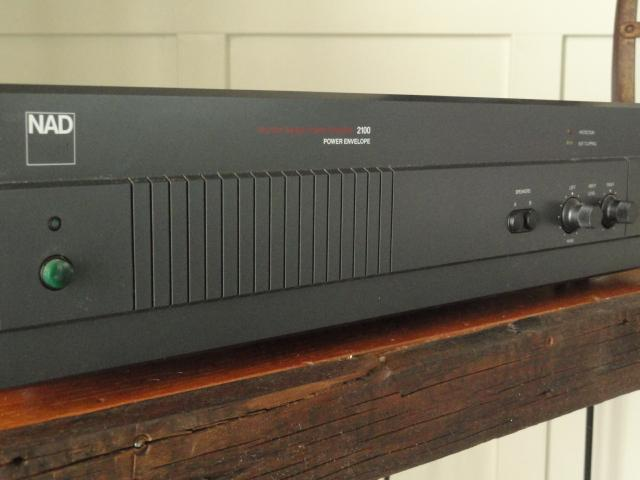 NAD 2100 Power Envelope Amplifier