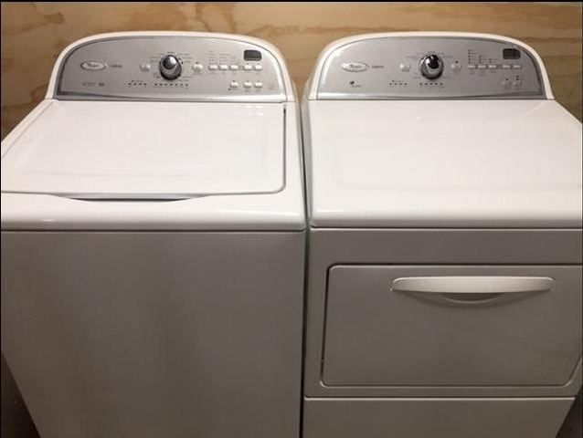 Whirlpool Cabrio Washer And Dryer White