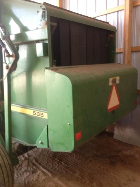 SOLD - John Deere 535 w/ Net wrap