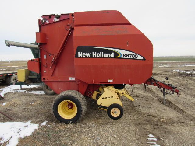 SOLD - New Holland BR780 Round Baler