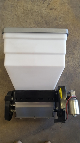 SOLD - Gandy Powder Applicator 12 volt - NEW NEVER USED