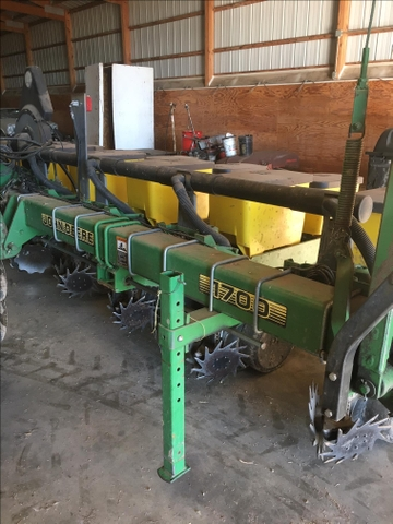 John Deere 1700 8 Row Planter Nex Tech Classifieds