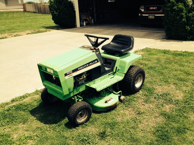 Deutz Allis Riding Lawn Mower