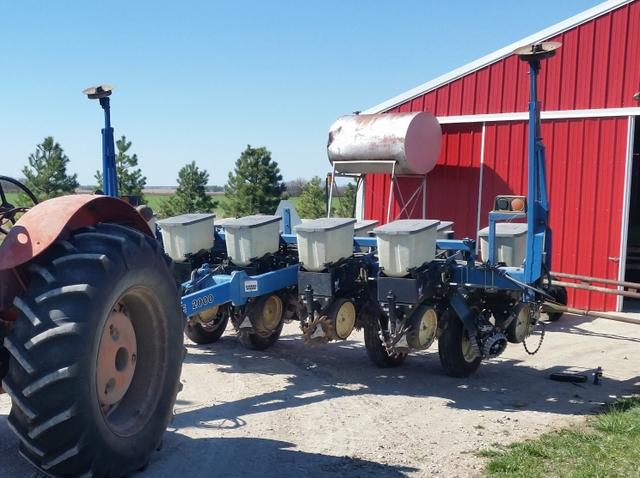 1997 Kinze 2000 6 11 Planter Nex Tech Classifieds