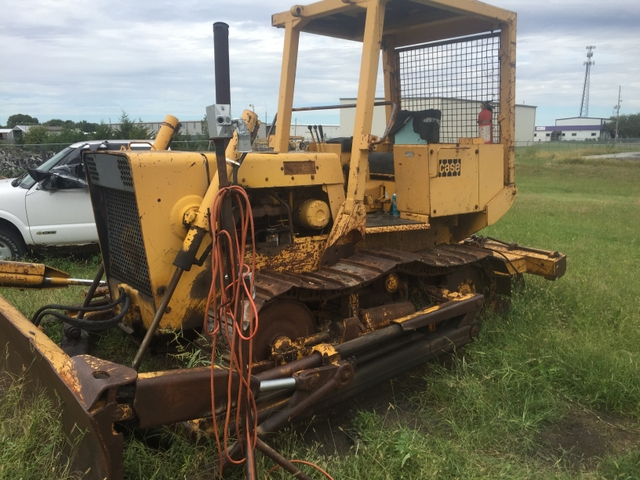 Case 850 Dozer with 6 way blade and Ripper