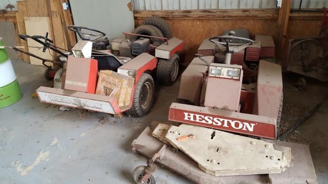 Hesston Frontrunner H140 lawnmowers