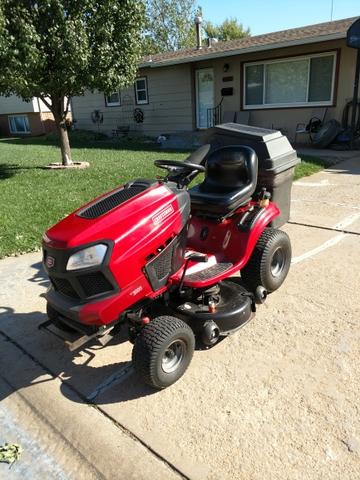 SOLD - Craftsman lawn tractor