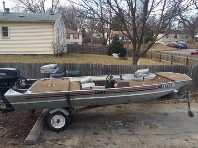 SOLD - Lowe 16ft aluminum bass boat