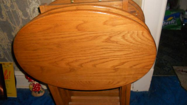 Set Of 4 Solid Oak Wood Tv Trays On Stand Nex Tech Classifieds