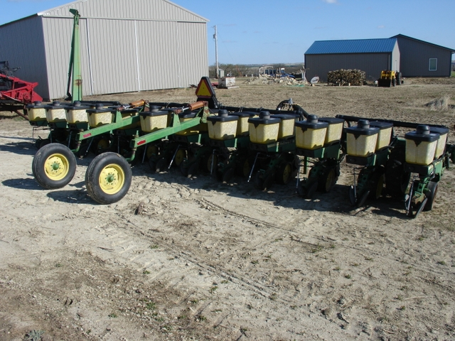 John Deere 7300 Vacuum Planter 12r30 Nex Tech Classifieds