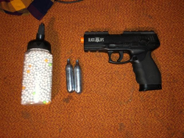 Co2 airsoft pistol