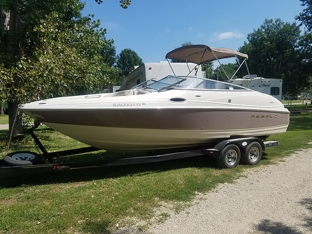 2002 Regal 2400 Boat For Sale