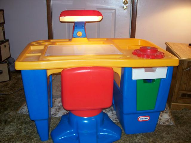 Little Tikes Light Up Desk With Swivel Chair Nex Tech