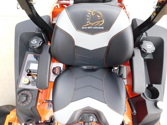 Strange Brand New Bad Boy Outlaw Renegade 61 Mower 6734 Beatyapartments Chair Design Images Beatyapartmentscom
