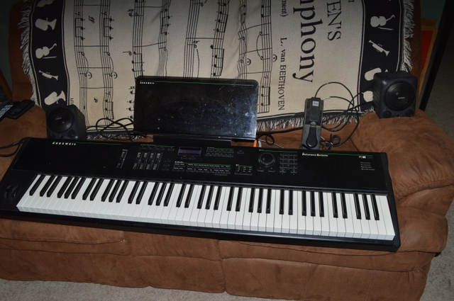 Kurzweil PC88 Keyboard/Young Chang-- GREAT PRESENT