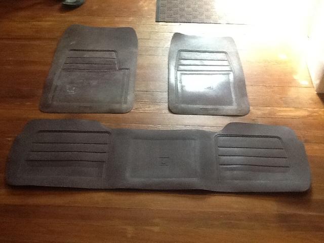 94 98 Gmc Yukon Factory Floor Mats Nex Tech Classifieds