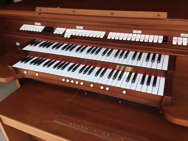 Organ For Sale >> Sold Rodgers Church Organ For Sale