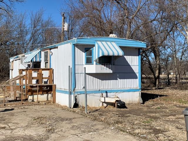 SOLD - Mobile home for sale! Handyman Special!