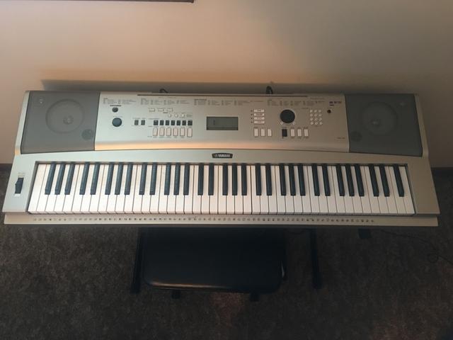 Sold Yamaha Ypg 235 76 Key Portable Grand Piano